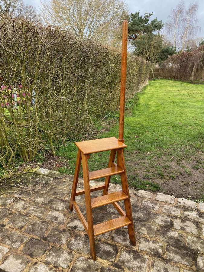 EDWARDIAN OAK 4 STEP LIBRARY STEPS WITH HAND POLE SUPPORT